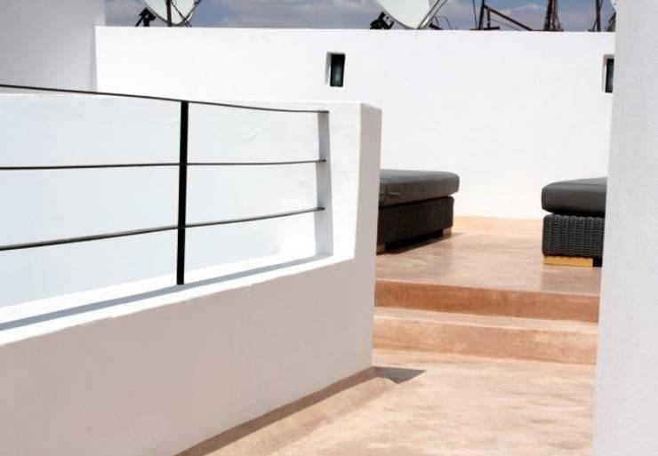 Riad Marrakech: Terrasse de style  par Pauline Girardot