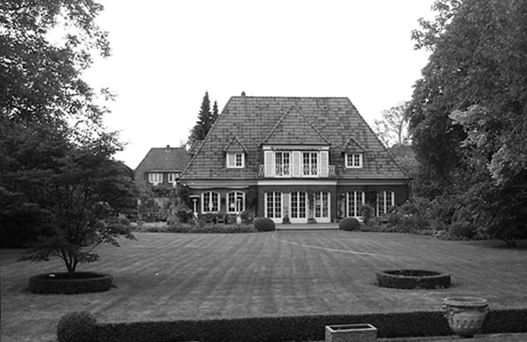 Villa in Othmarschen:   von Andreas Edye Architekten