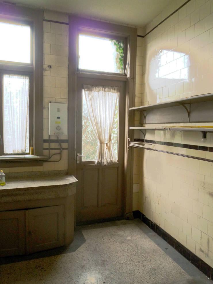 keuken, oude situatie: modern  door Voorwinde Architecten, Modern