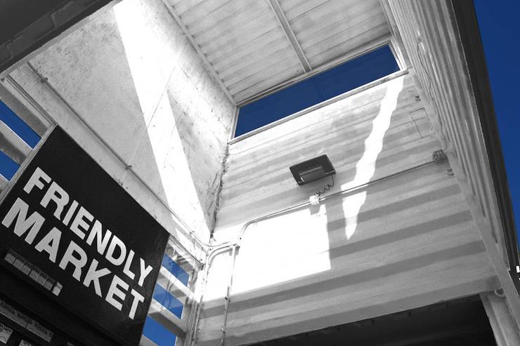Interiores Industriales.: Centros Comerciales de estilo  por Progressive Design Firm