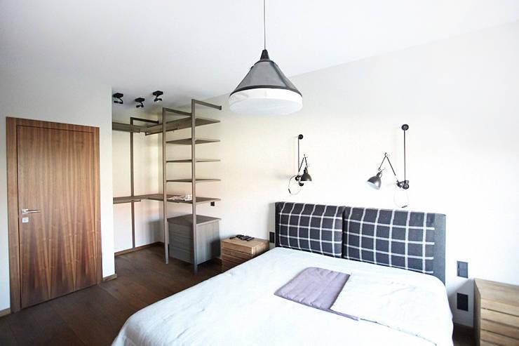 Hoża: styl , w kategorii Sypialnia zaprojektowany przez Pracownia Projektowa Hanna Kłyk  ,Nowoczesny