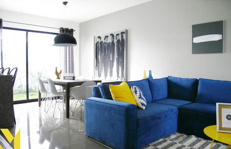 Casa Fioré: Salas de estilo  por MM estudio interior