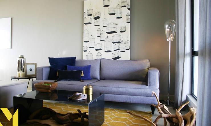 Casa Prato: Salas de estilo  por MM estudio interior