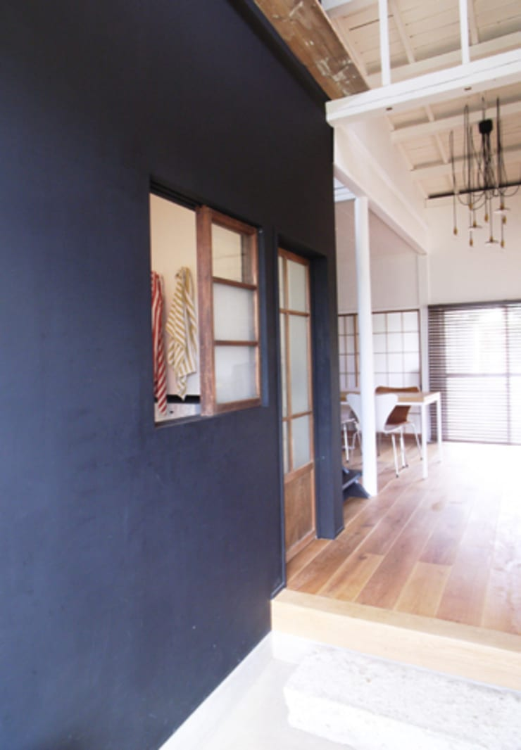 「AKIYA HOUSE」: vibe design inc.が手掛けた窓です。