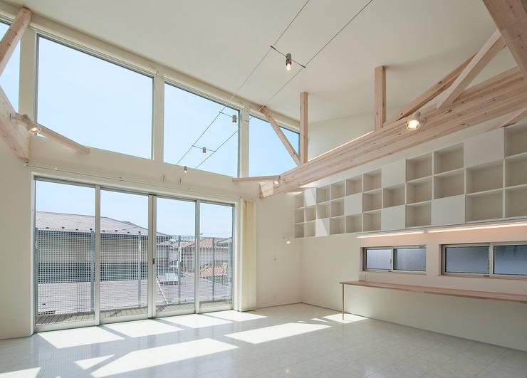 町田の家: 萩原健治建築研究所が手掛けたダイニングです。