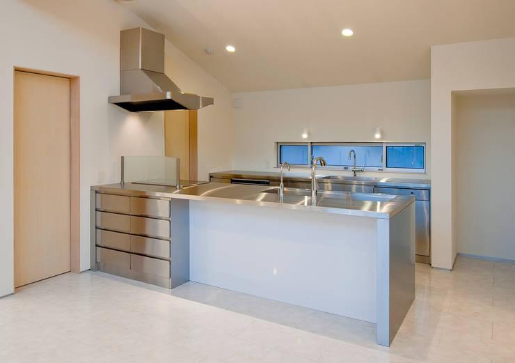町田の家: 萩原健治建築研究所が手掛けたキッチンです。