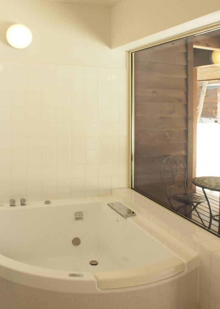 浴室: 勝家建築研究室が手掛けた浴室です。,オリジナル