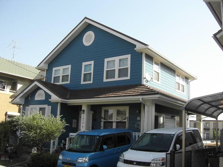 ビーチハウス風の住宅: ヒロ・デザイン・ラボが手掛けた家です。