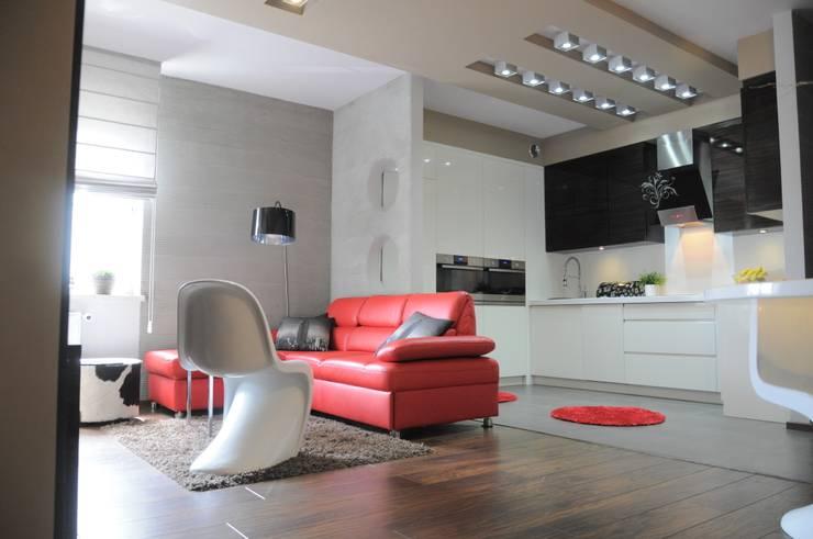 现代客厅設計點子、靈感 & 圖片 根據 Perfect Home 現代風