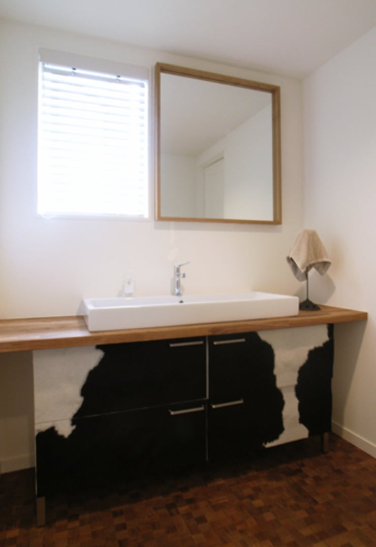 UEHARA HOUSE: vibe design inc.が手掛けた浴室です。