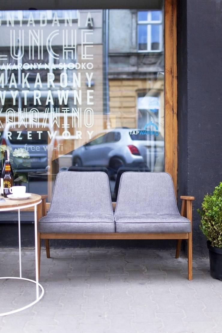 366 Sofa Outdoor: styl , w kategorii Bary i kluby zaprojektowany przez 366 Concept Design & Lifestyle,Minimalistyczny