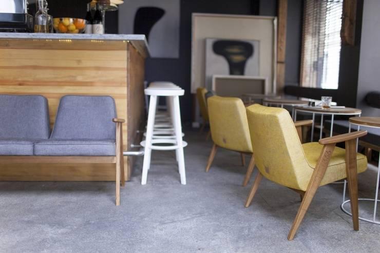 366 armchairs: styl , w kategorii Bary i kluby zaprojektowany przez 366 Concept Design & Lifestyle,Nowoczesny