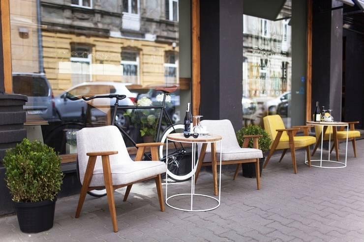 366 armchairs outdoor: styl , w kategorii  zaprojektowany przez 366 Concept Design & Lifestyle,Nowoczesny