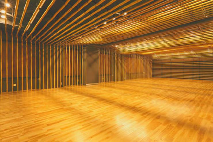 2階の竹の間: 一級建築士事務所たかせaoが手掛けた和室です。