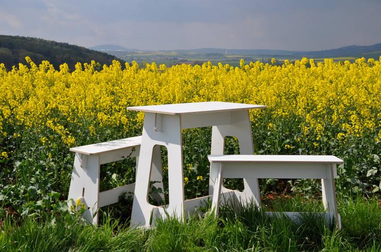 Steckmöbel Event-Tisch: moderne Esszimmer von das wunschmöbel