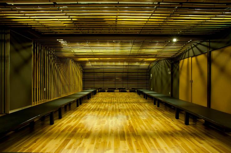 2階の竹の間: 一級建築士事務所たかせaoが手掛けた多目的室です。