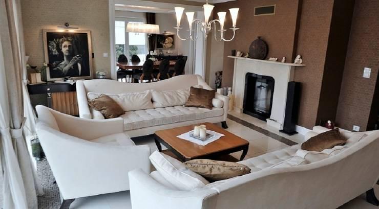 Rezydencja w Jaworzu: styl , w kategorii Salon zaprojektowany przez Studio Mirago,Klasyczny