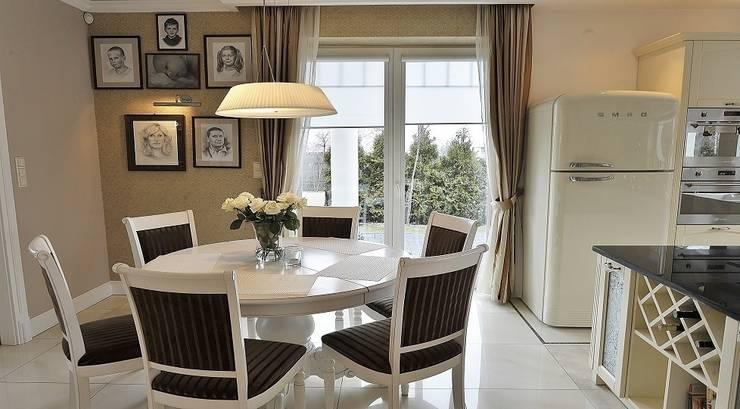 Rezydencja w Jaworzu: styl , w kategorii Kuchnia zaprojektowany przez Studio Mirago,Klasyczny
