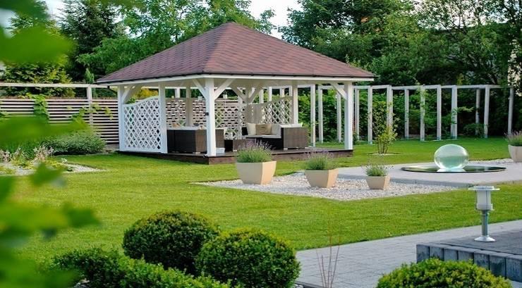 Letnie patio - Jaworze: styl , w kategorii Taras zaprojektowany przez Studio Mirago,Rustykalny