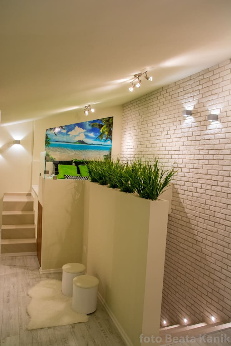 Kawalerka Kęty: styl , w kategorii Sypialnia zaprojektowany przez Studio Mirago,