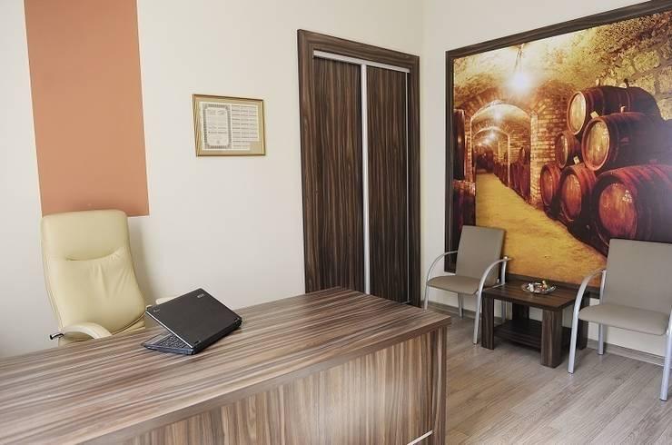 Kancelaria adwokacka – Bielsko-Biała: styl , w kategorii Przestrzenie biurowe i magazynowe zaprojektowany przez Studio Mirago