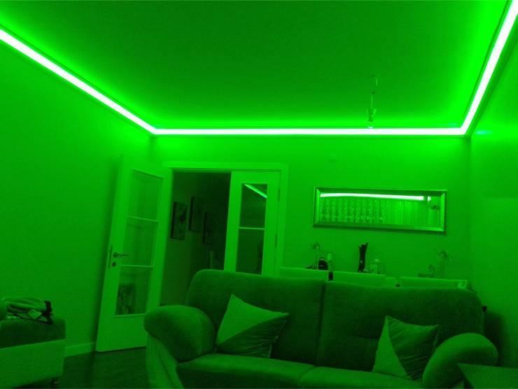 LEDPİYER – Rengarenk tavanlar-Gizli aydınlatma,dekoratif ışıklı kartonpiyer ve bordür sistemleri; LEDPiYER:  tarz Yemek Odası