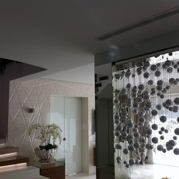 rezydencja Gdańsk : styl , w kategorii Salon zaprojektowany przez TG STUDIO