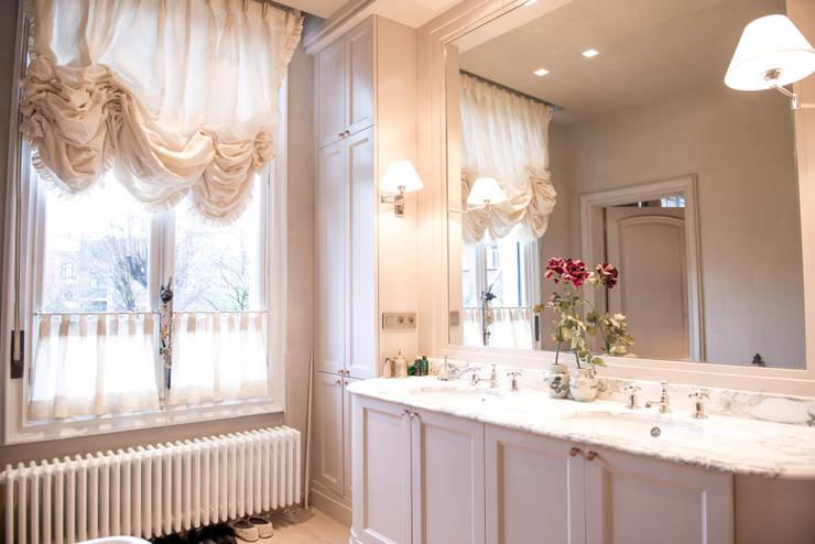 Kenny&Mason Traditional bathroom:  Badkamer door Kenny&Mason