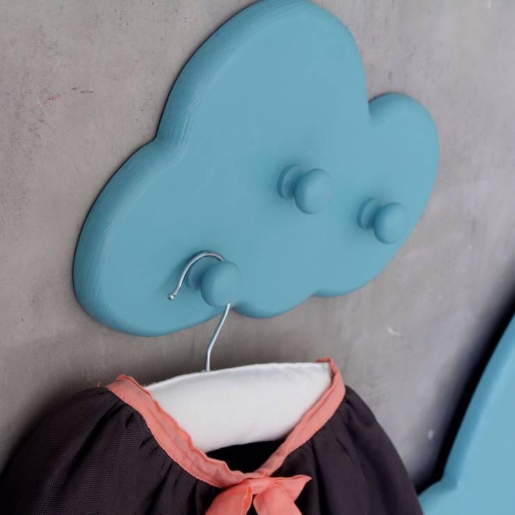 Вешалки облака: Детская комната в . Автор – Buga
