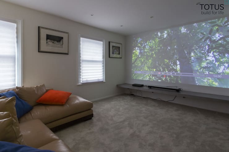 Property Renovation and Extension, Clapham SW11: modern Media room by TOTUS