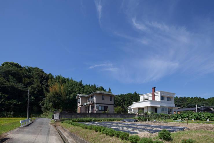 外観 遠景: 松本勇介建築設計事務所 / Office of Yuusuke MATSUMOTOが手掛けたです。,