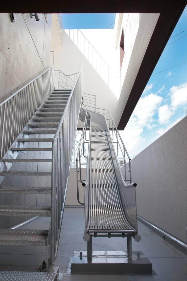 避難階段: 清正崇建築設計スタジオが手掛けた医療機関です。