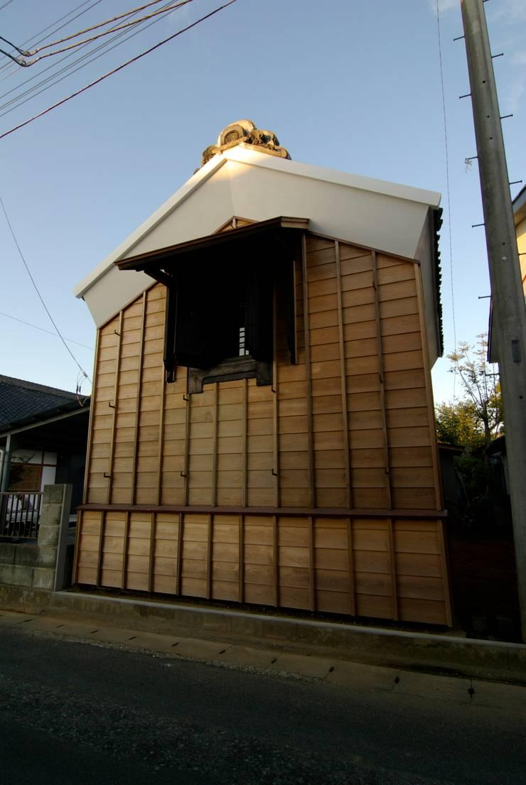 道路側外観: 兵藤善紀建築設計事務所が手掛けたです。