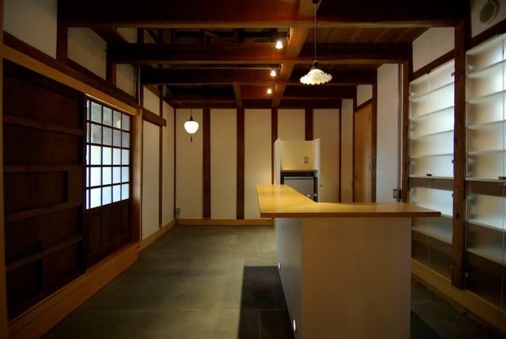 土間: 兵藤善紀建築設計事務所が手掛けたです。