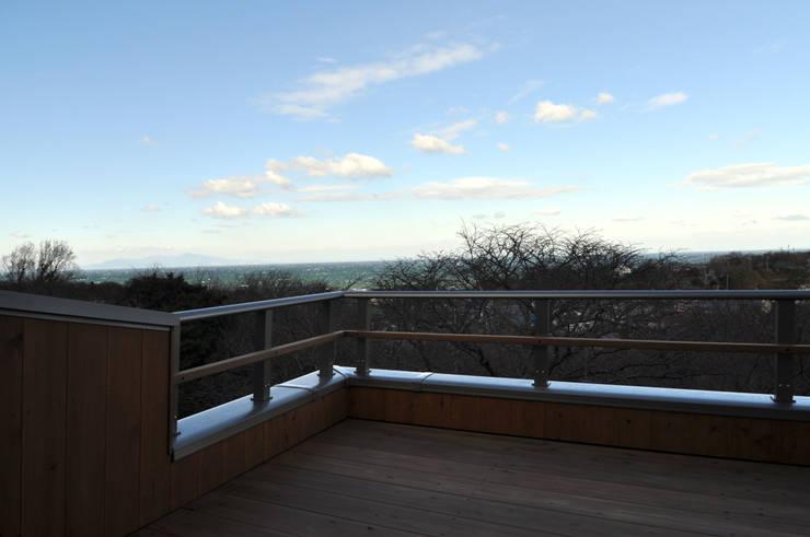 バルコニーは素晴らしい眺望: 総合建築植田が手掛けたです。,