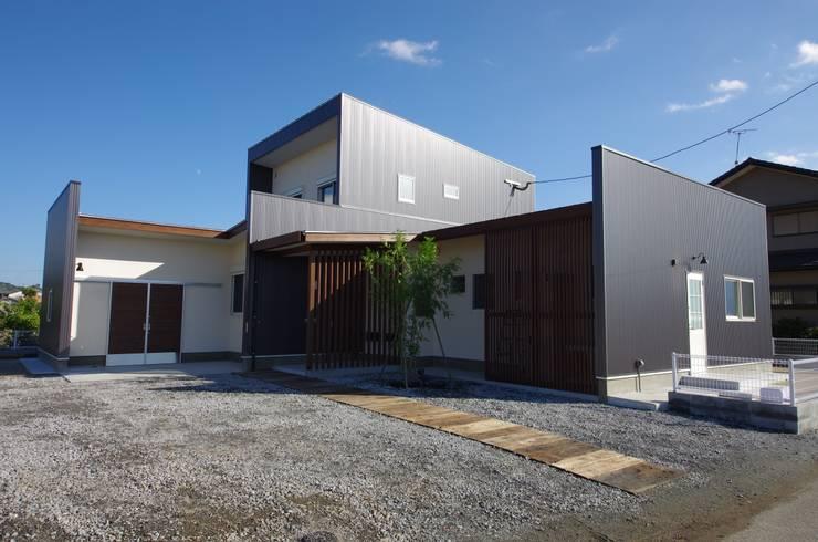 Casas de estilo  por 徳永建築事務所, Ecléctico