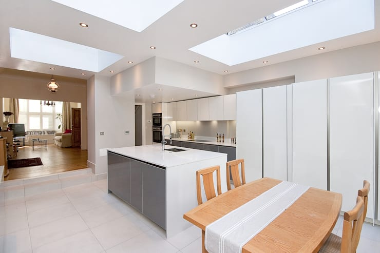 Kitchen by GOAStudio | London residential architecture