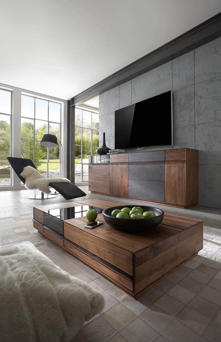 TERSO – Moderner Lifestyle ohne Kompromisse.:  Wohnzimmer von Wimmer Wohnkollektionen GmbH