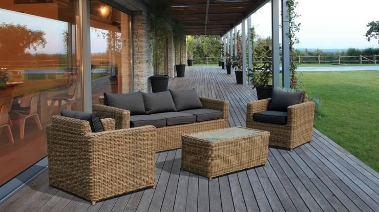 Divani da giardino in rattan Andresa: Giardino in stile in stile Moderno di LuxuryGarden.it