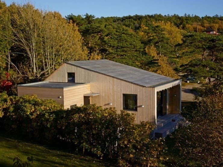 Timber Clad Exterior:  Houses by Collective Works