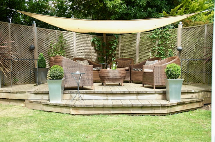 Garden furniture:  Garden  by Lothian Design