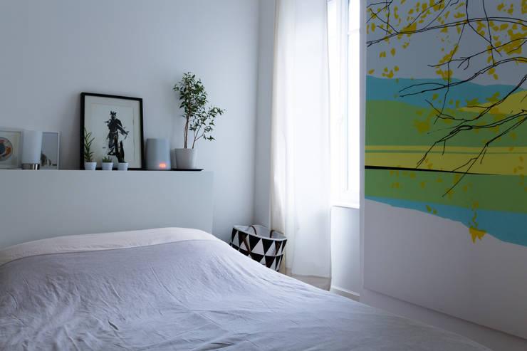 Chambre: Chambre de style  par EK Architecte