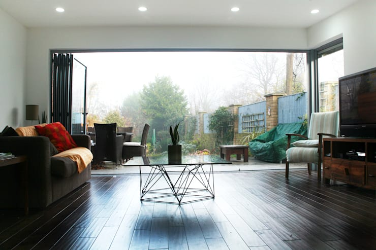 Brockley, Lewisham SE4, London | House extension: modern Living room by GOAStudio | London residential architecture
