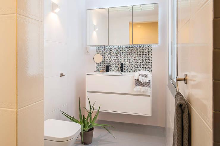 Baños de estilo  por Markham Stagers