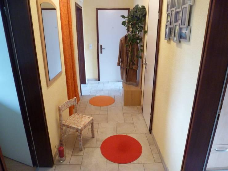 3-ZKB Wohnung in Bonn:  Flur & Diele von Personal Home Staging