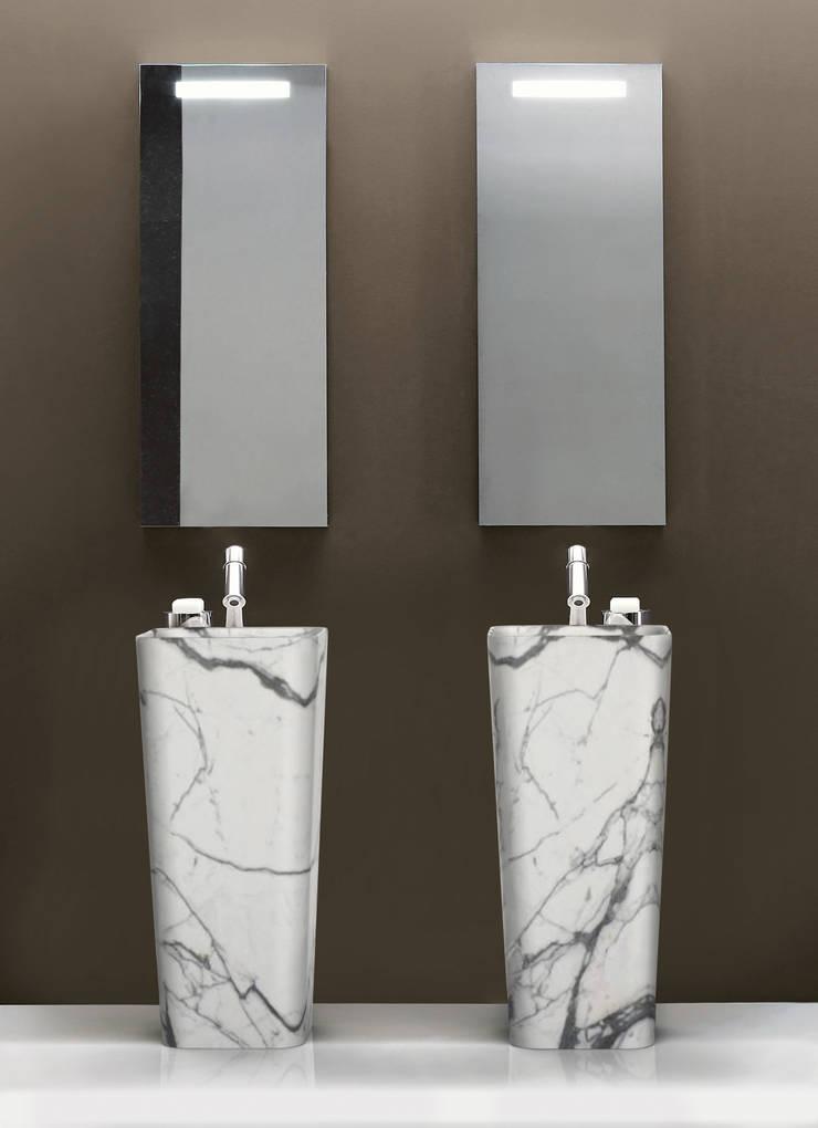 modern  oleh Marmi Serafini, Modern