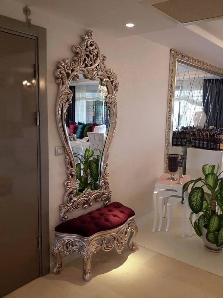 SARAY TAVAN – PUFLU DRESUAR :  tarz Giyinme Odası, Klasik