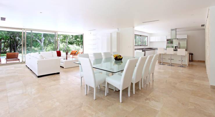 Casa T: Comedores de estilo  por Enrique Cabrera Arquitecto