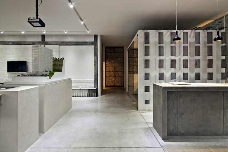 Couloir et hall d'entrée de style  par Taller David Dana, Moderne