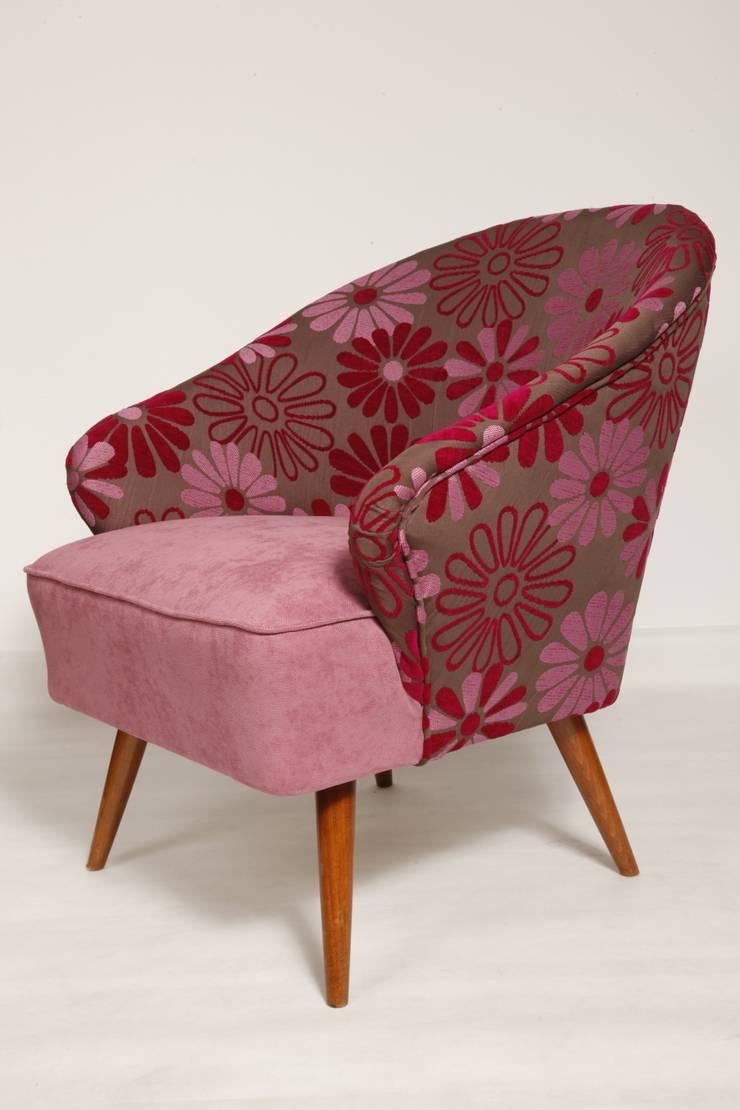 Fotel Różowy w kwiaty, lata 60.: styl , w kategorii Salon zaprojektowany przez Lata 60-te,